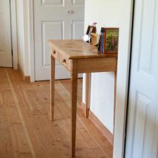 Side desk